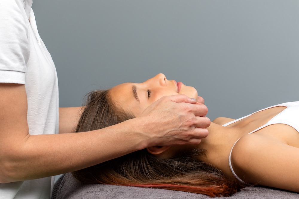 when to see a chiropractor for neck pain